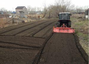 Обработка земли роторным культиватором на мини тракторе, рыхление земли в пух, фрезерование почвы 8495-7416877 АгроСервис